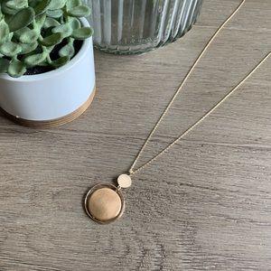 NWT Shiny Gold LOFT necklace 🌼